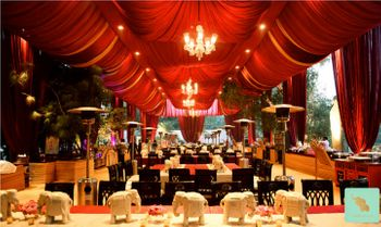 outdoor wedding decor theme in red
