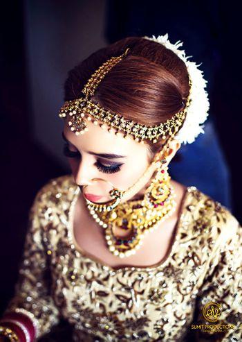 Bride with dark smokey eyes makeup look