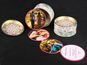 Wedding invitation in the form of coasters