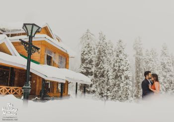 Pretty pre wedding shoot out in the snow