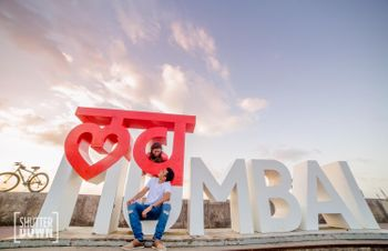 Photo of Mumbai theme pre wedding shoot