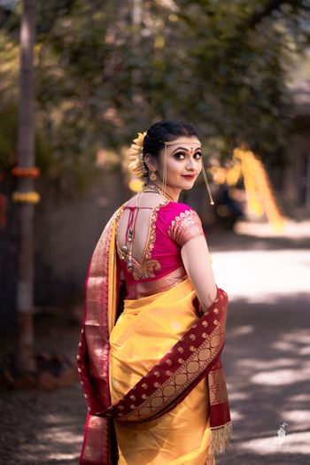Maharashtrian bride in vivid hues