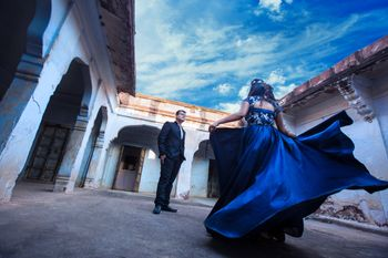 Couple pre-wedding shoot