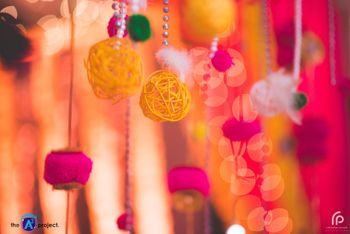 DIY mehendi decor ideas with yarn balls