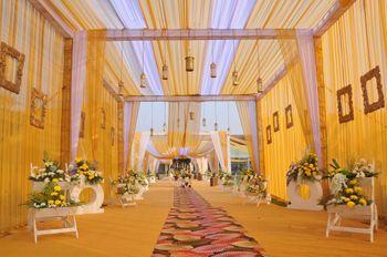 hanging lanterns and wooden frames entrance decor