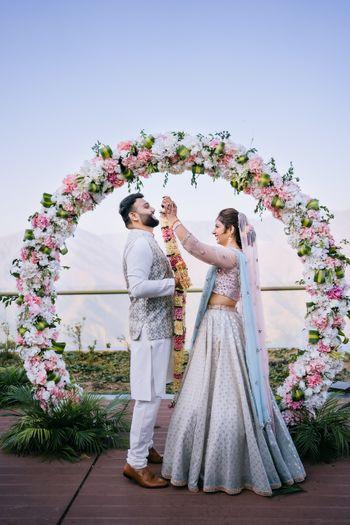 Photo of Wedding day couple shot idea