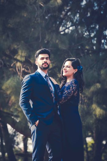 modern pre-wedding shoot outfits