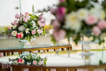 glass vase with florals for centrepiece