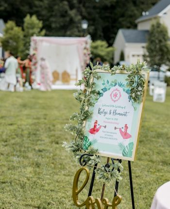 Cute wedding signage for the wedding