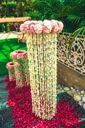 floral corner decor
