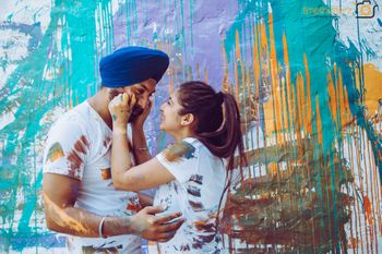 Pre wedding shoot with painting theme