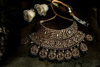 Photo of Kundan necklace with intricate work