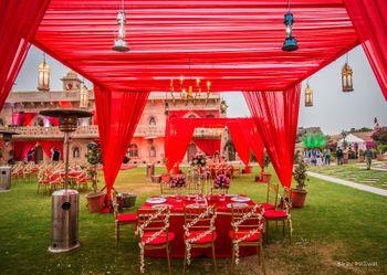 Red theme wedding decor