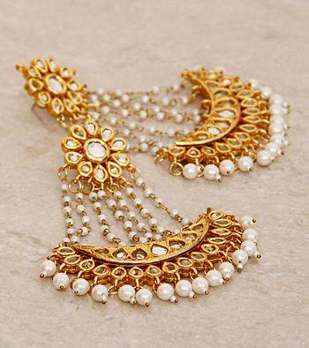 Photo of earrings jhoomer shape