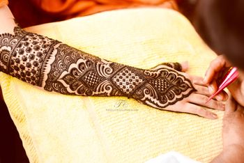 Photo of arabian style mehendi