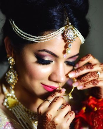 Bridal mathapatti with pearl strands