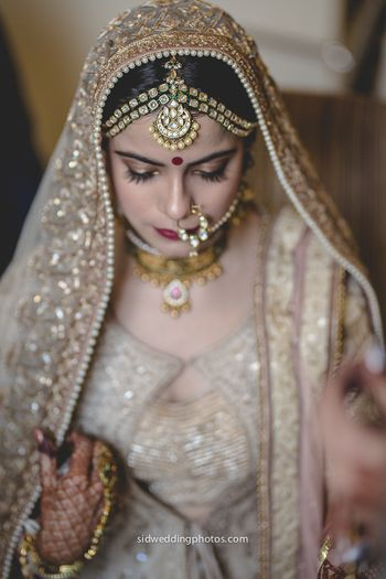Kundan and pearl mathapatti for bride with 2 strands