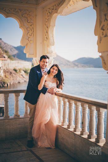 Lake side pre-wedding shoot