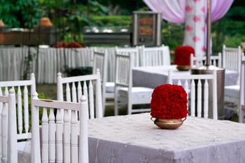 Photo of floral table centerpieces