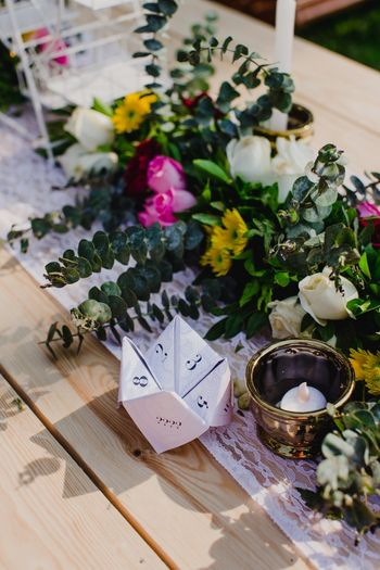 Floral table setting with personalized elements