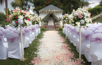 Photo of Floral aisle for south Indian wedding