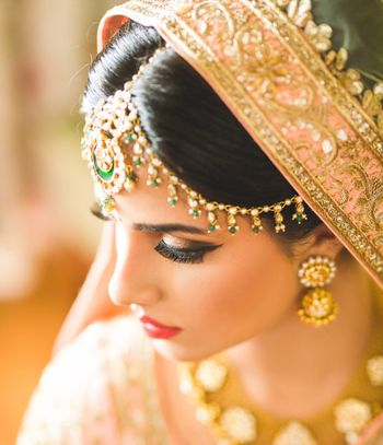 Bridal mathapatti with green beads
