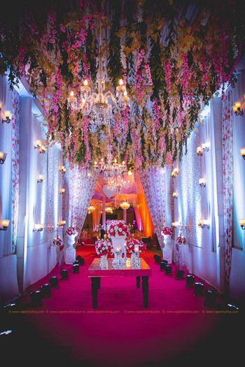 Pretty entrance floral decor