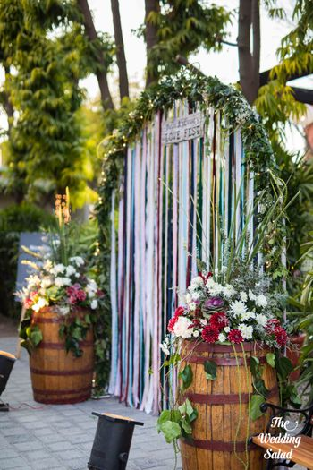 Photo of Pretty entrance floral decor