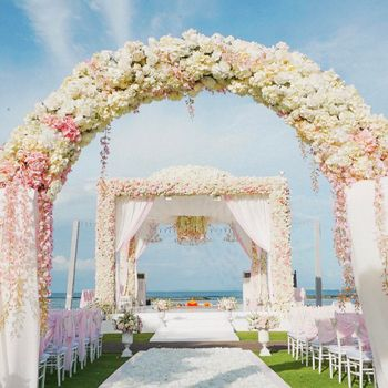 Wedding day floral decor