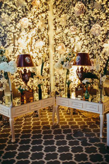 White floral decor with unique decor elements