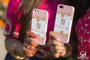 Phone covers for bridesmaids as mehendi favours