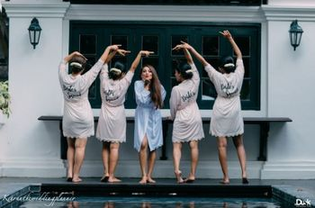 Bride with bridesmaids in matching robes