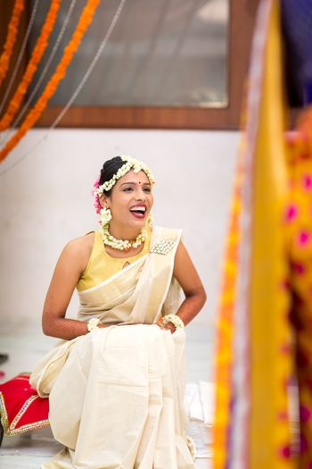 Floral jewellery look for South Indian bride with mogra flowers