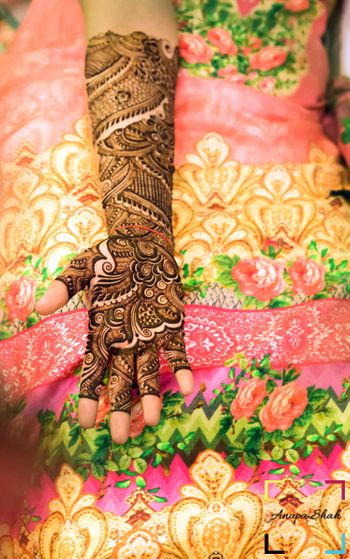 Bridal Hand Mehendi Design - Bel Mehendi