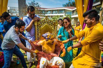 Wedding Photoshoot & Poses Photo shirt tearing