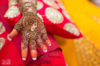 Photo of Modern Mughal bridal mehendi design