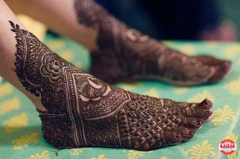 Bridal feet mehendi shot