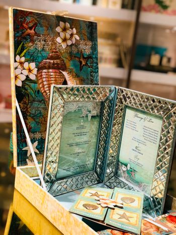 Wedding invite box with photo frame card