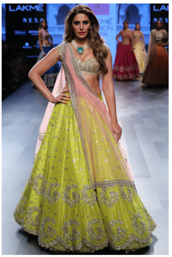 Outfits Photo Anushree Reddy