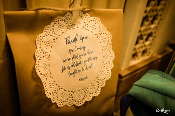 Thank you favour with note for guests