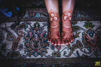 Cool bridal feet mehendi design