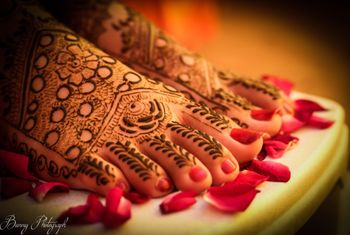 Photo of Rose design mehendi for feet