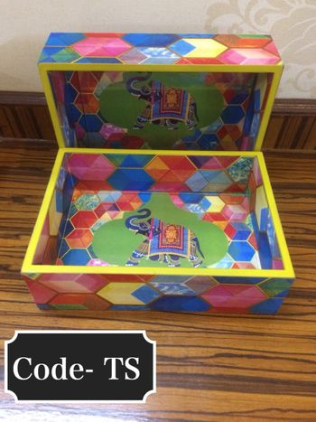 Wooden favour box for invite with elephant motif