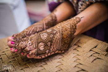 Photo of Floral mehendi with lotus motif on feet