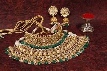 Stunning bib styled bridal necklace done in polki and kundan