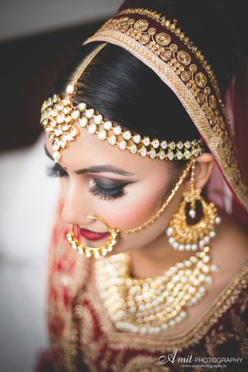 Bride with smokey eyes and bold makeup