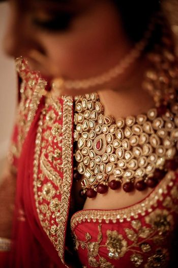 Bridal necklace with red stones