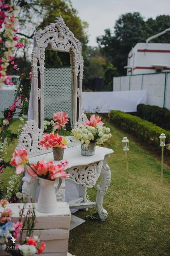 Beautiful white wood decor with colourful floral decor