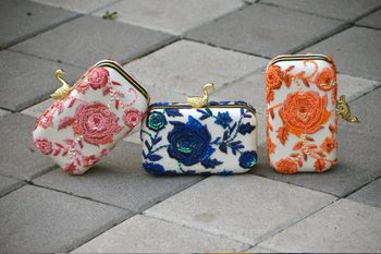 Photo of equinned clutches