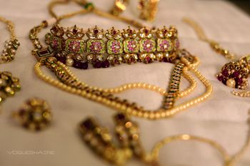 unique choker necklace with coloured meenakari work
